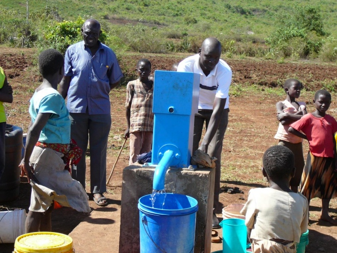 Borehole to provide water fo Matongo dispensary project in the Mara region, project funded by African Palms selling palm crosses